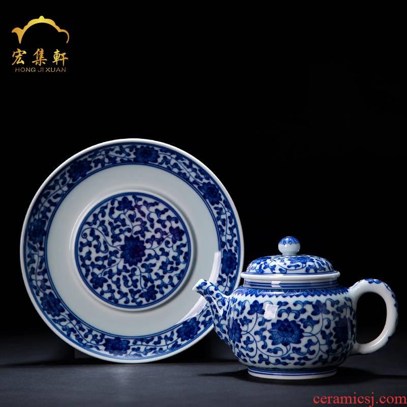 Single pot pot of jingdezhen ceramic teapot Single pot to restore ancient ways small kung fu manual hand - made porcelain lotus flower tea