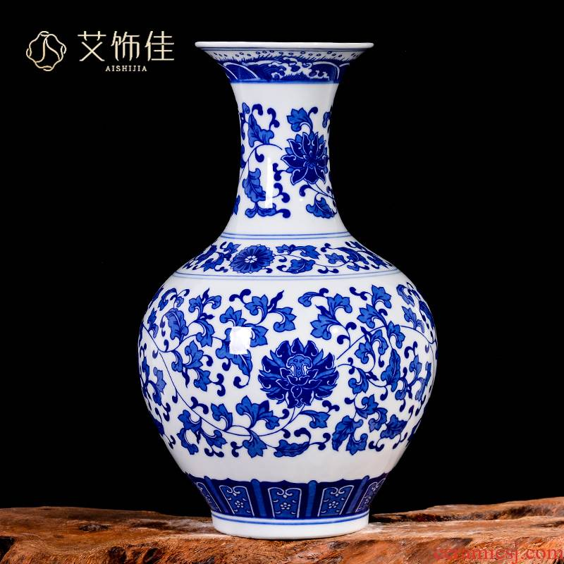 Jingdezhen blue and white porcelain vases, flower arranging furnishing articles archaize sitting room of Chinese style household ceramics rich ancient frame ornaments