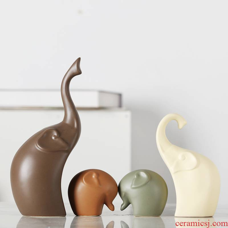 A family of three elephants home sitting room adornment ark, TV ark, porch ceramic furnishing articles wedding gift for the gift