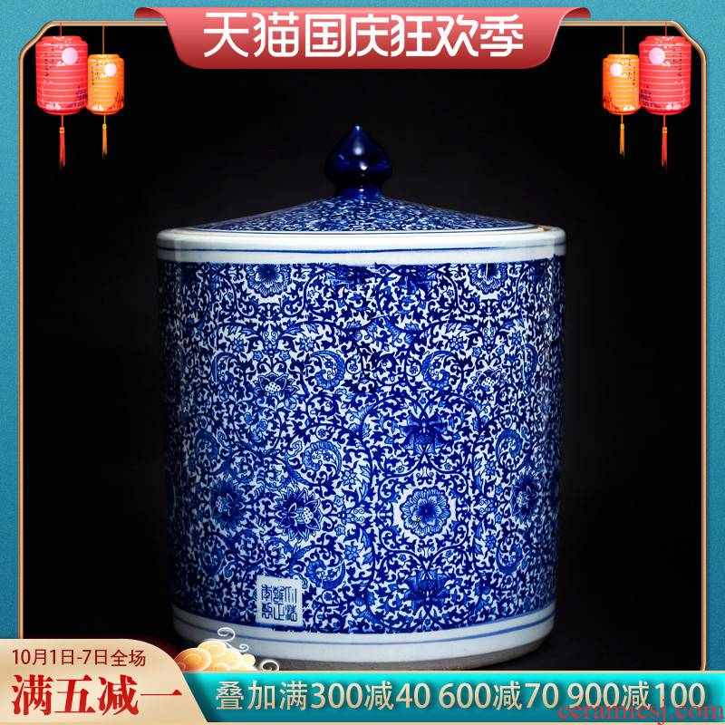 Jingdezhen ceramic antique flower tea pot of Chinese style household size with cover sealed container storage tank is large