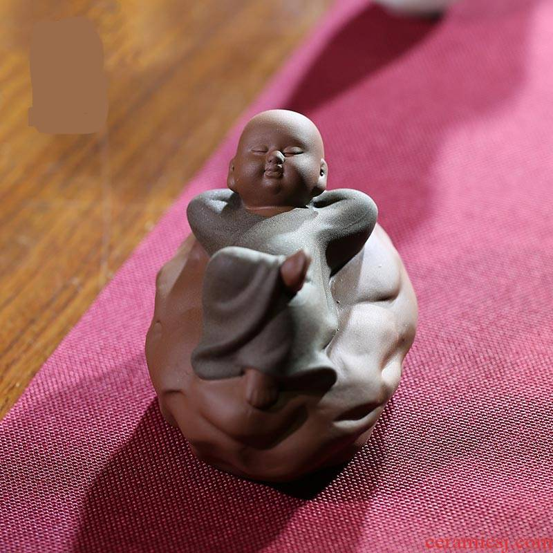 The Poly real boutique scene. Small purple sand tea pet furnishing articles can be a creative zen Chinese play the mini monk tea tea