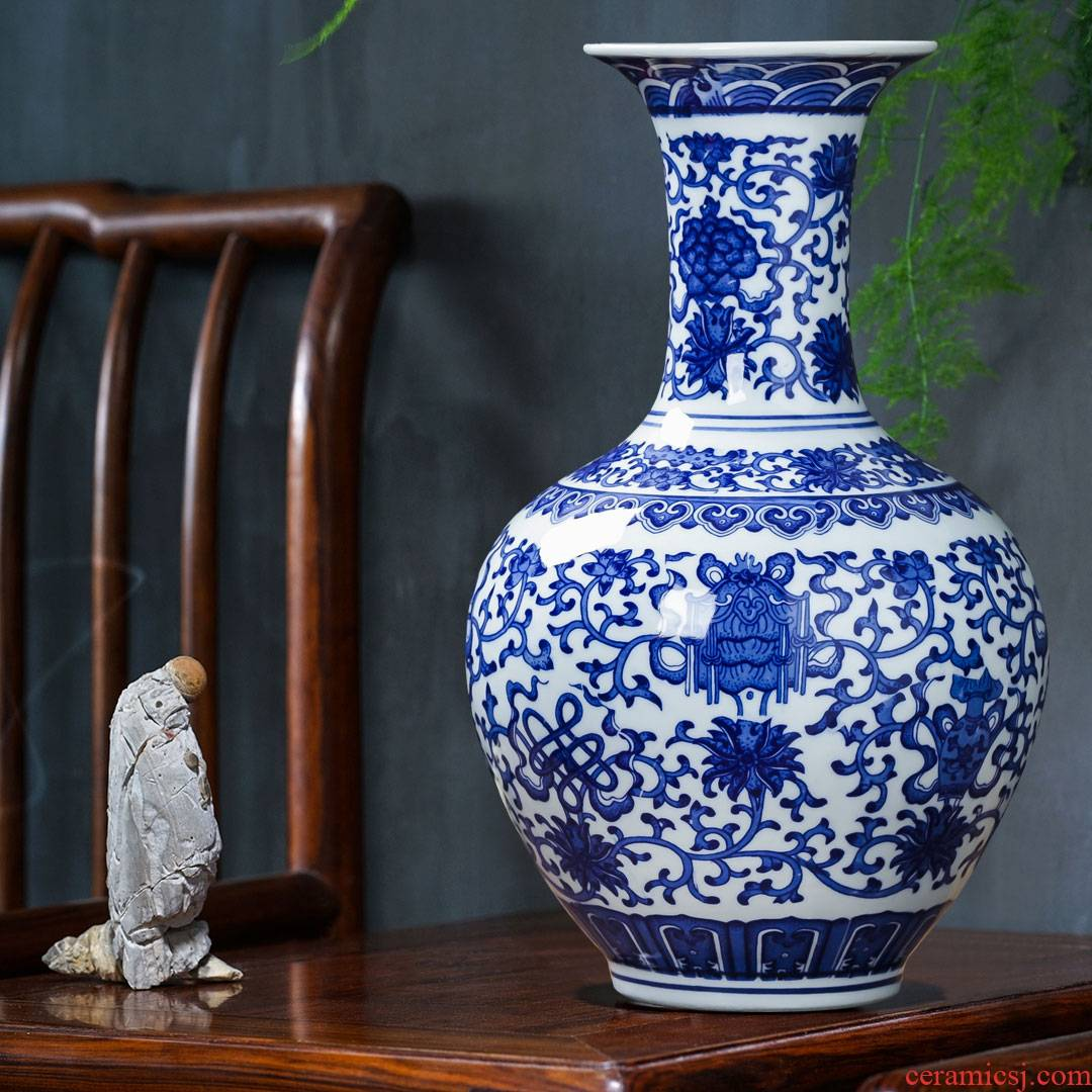 Jingdezhen ceramics antique blue and white porcelain vase flower arranging place of new Chinese style household living room TV cabinet decoration