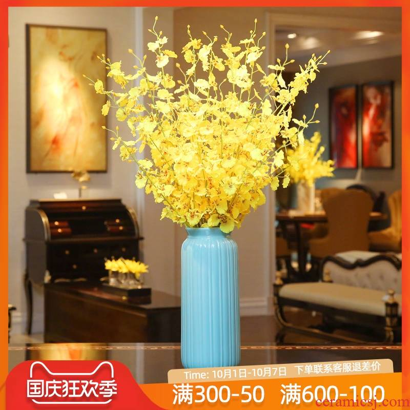 Creative modern European ceramic vases, small pure and fresh and the living room table simulation flower arranging flowers home furnishing articles