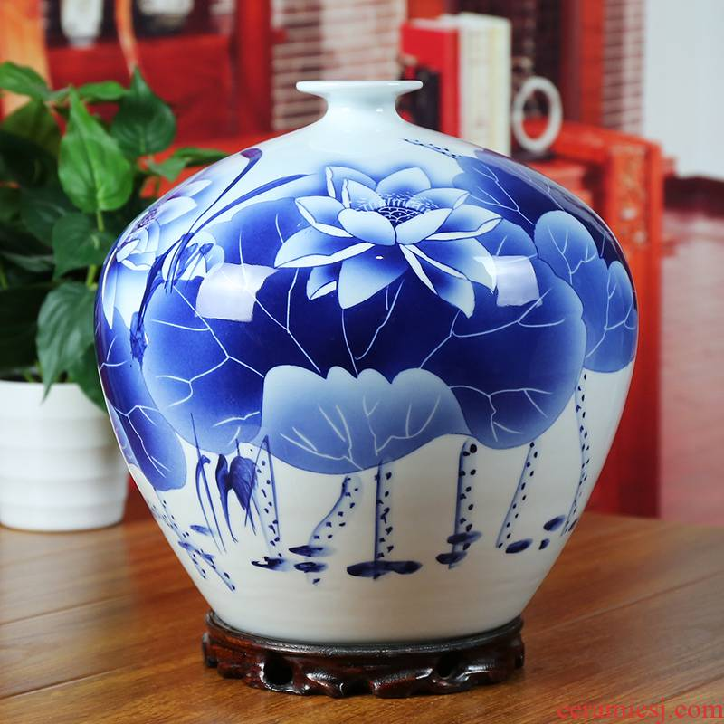 Jingdezhen ceramic vase peony modern blue and white porcelain painting lotus home sitting room place, a classic gift