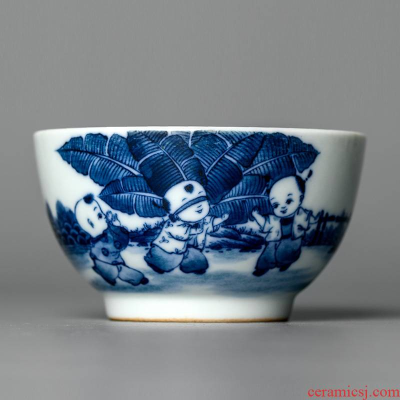 Jingdezhen hand - made master the blue and white porcelain cup kung fu tea cup pure manual tong qu large sample tea cup