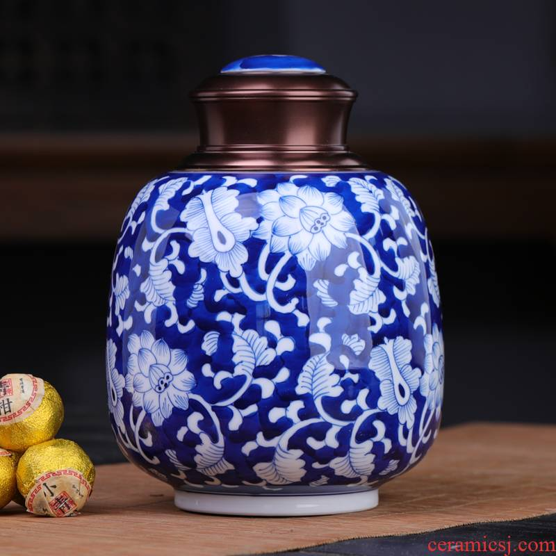 Large stock of blue and white porcelain POTS with black tea pu 'er tea pot seal moisture creative tea warehouse storage jar