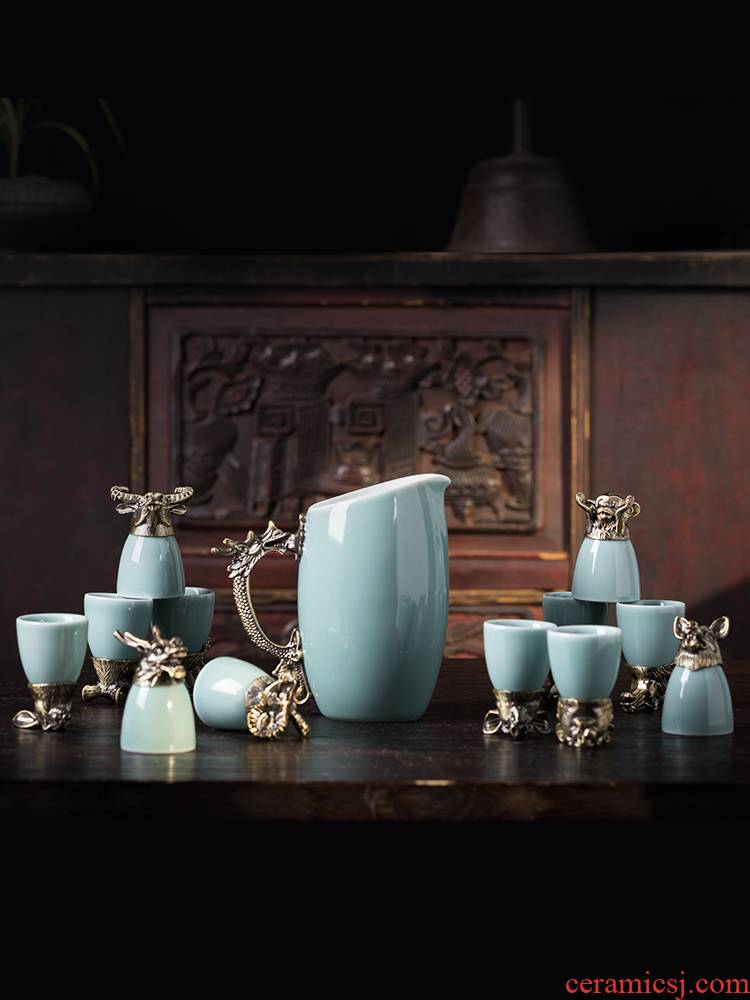 The wine suits for Chinese zodiac jingdezhen ceramic household small Chinese liquor cup wine glass creative points