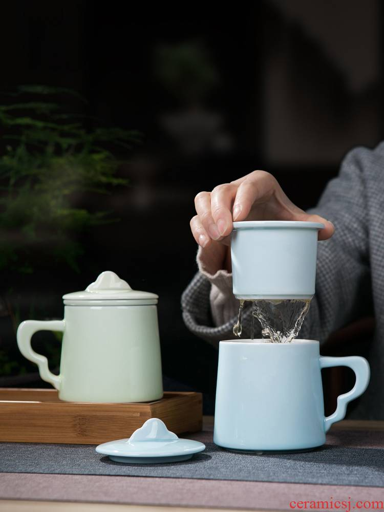 Jingdezhen ceramic cups with cover filter tea cup of tea to separate office cup with the ceramic keller cup water