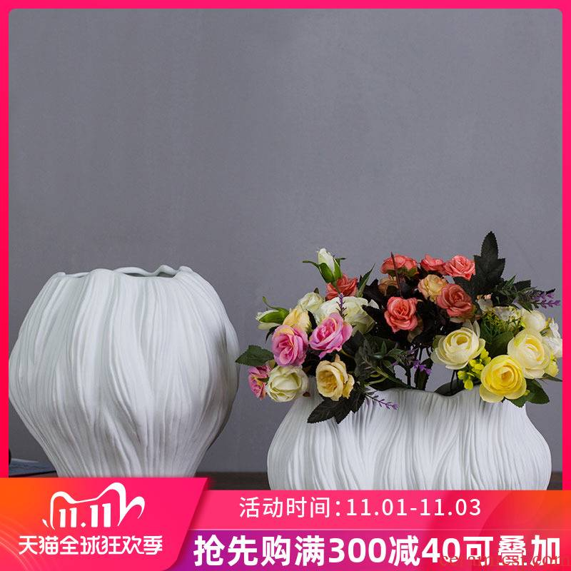 White ceramic vase furnishing articles sitting room of I and contracted dry flower flower arranging flower implement creative tea table table decorations