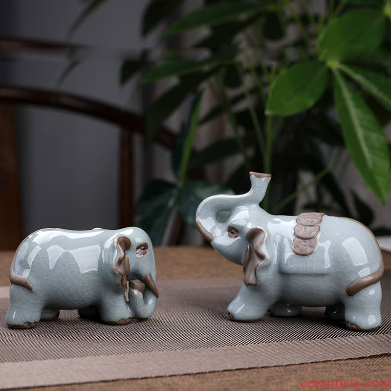 Elder brother up with ceramic elephant furnishing articles of crack a tea tray objects sitting room tea tea play lovely creative decorations furnishing articles
