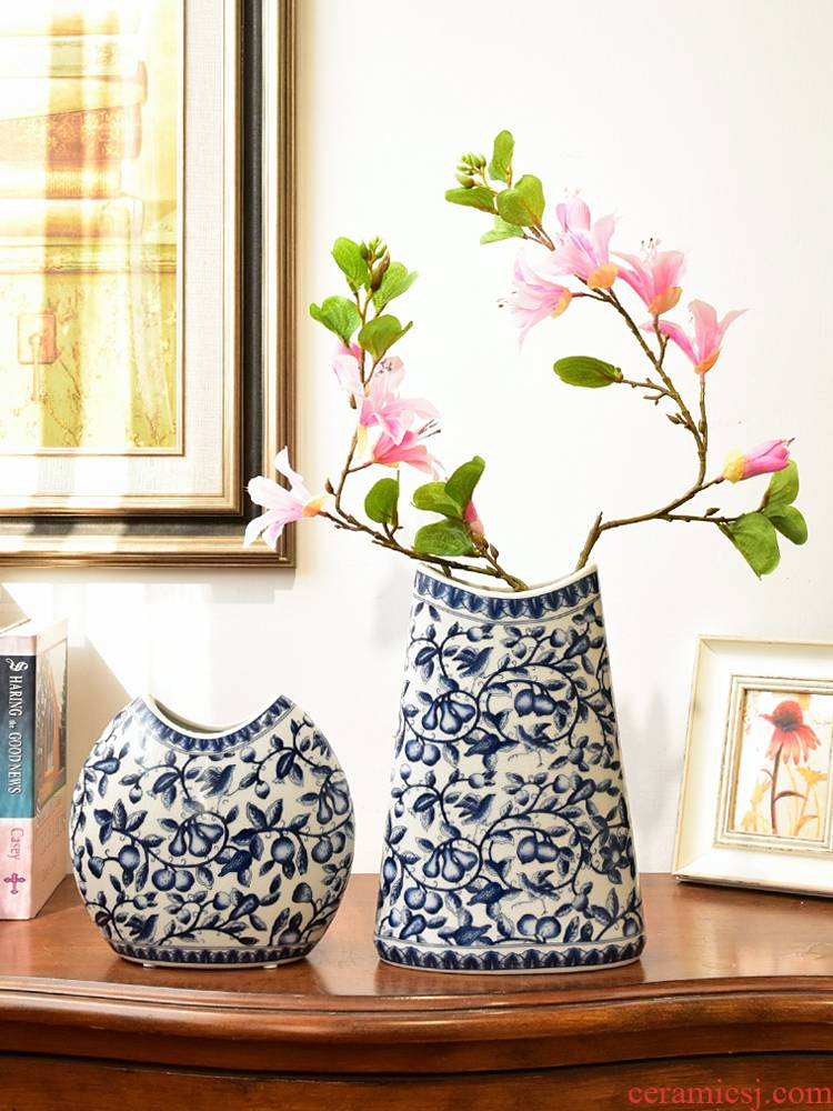 The new Chinese rich ancient frame jingdezhen blue and white porcelain vase, The sitting room porch TV ark, home decoration flower arranging furnishing articles