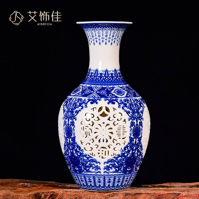 Blue and white porcelain of jingdezhen ceramics hollow - out vases, flower arranging new Chinese style living room porch TV ark adornment furnishing articles