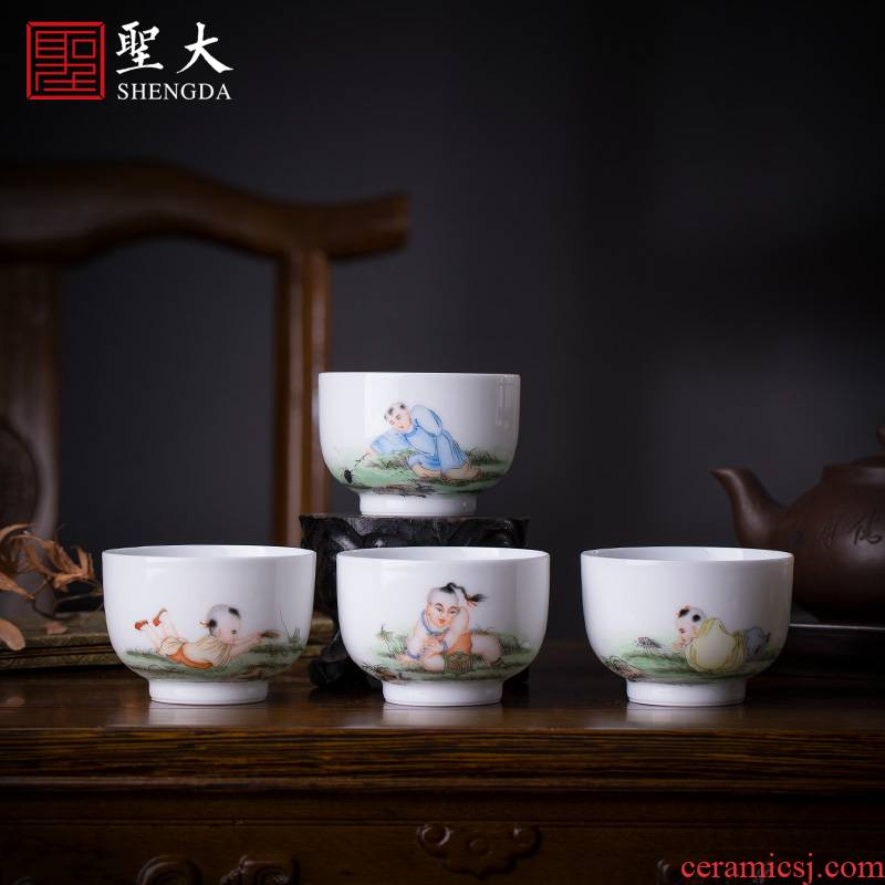 Santa teacups hand - made ceramic kung fu new color boy tease worm, a set of jingdezhen tea cup master cup single CPU hand