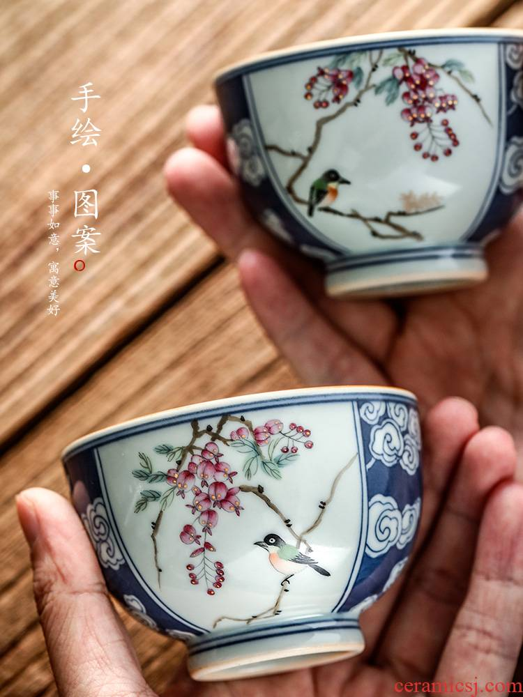 Jingdezhen blue and white window wisteria flowers and birds hand - made kung fu tea cups masters cup a cup of pure checking ceramic sample tea cup