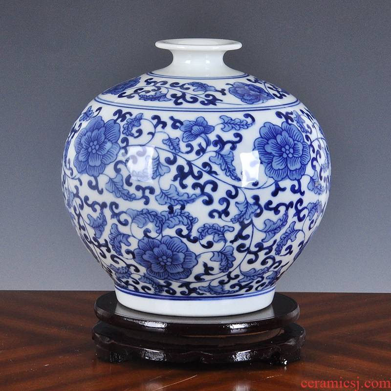 Creative restoring ancient ways is blue and white porcelain vase is placed small household decorates sitting room ark, nostalgic restaurant table flower arranging