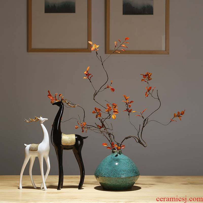 Insert ceramic vase dried flowers zen decorations of jingdezhen ceramic vase vase furnishing articles of TV bar face sitting room