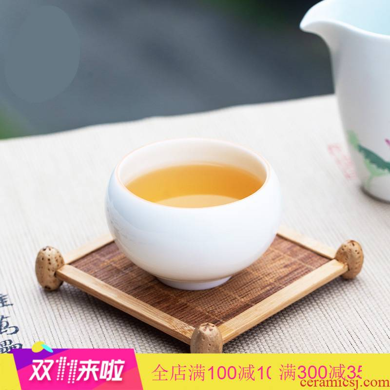 The Poly real boutique scene. Sweet craft masters cup kung fu tea cups steaming jingdezhen porcelain sample tea cup tea cup