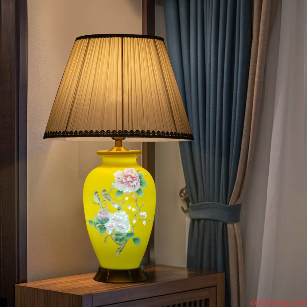 Jingdezhen ceramics blooming flowers, yellow emperor vase lamp bedside lamp of new Chinese style household adornment furnishing articles