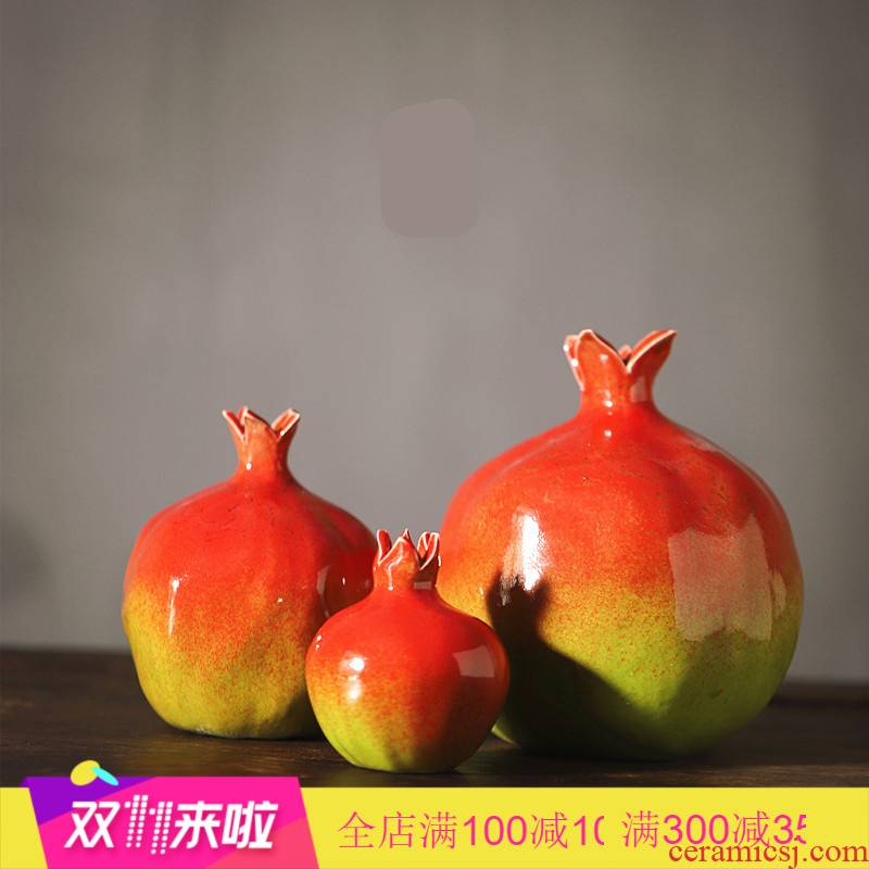 The Poly real scene of jingdezhen ceramic furnishing articles bionic pomegranate creative ceramic fruit of carve patterns or designs on woodwork vase home decoration