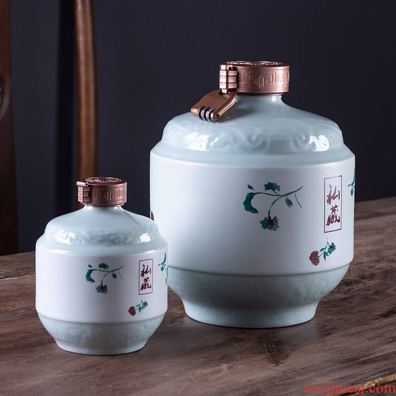 Jingdezhen creative bottles with gift box household hip flask 1 catty 3 kg 5 jins of liquor bottle sealed with small jugs
