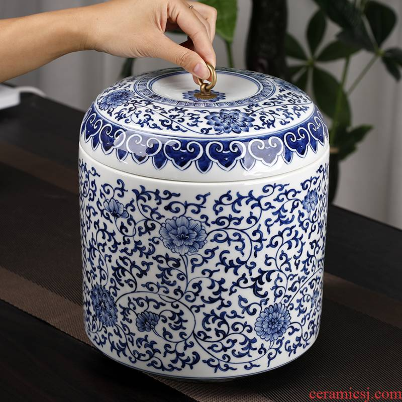 Hand draw archaize nostalgic blue and white porcelain ceramic storage tank house sitting room adornment rich ancient frame furnishing articles pu 'er tea pot