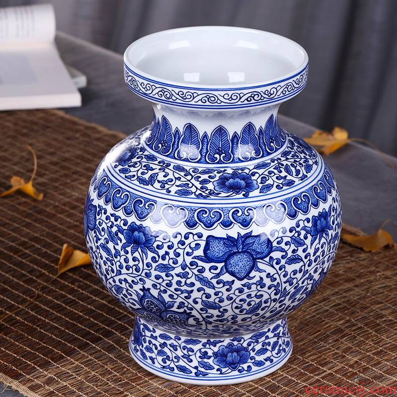 New Chinese style style antique vase of blue and white porcelain, jingdezhen classical porcelain arts and crafts porcelain furnishing articles in the living room