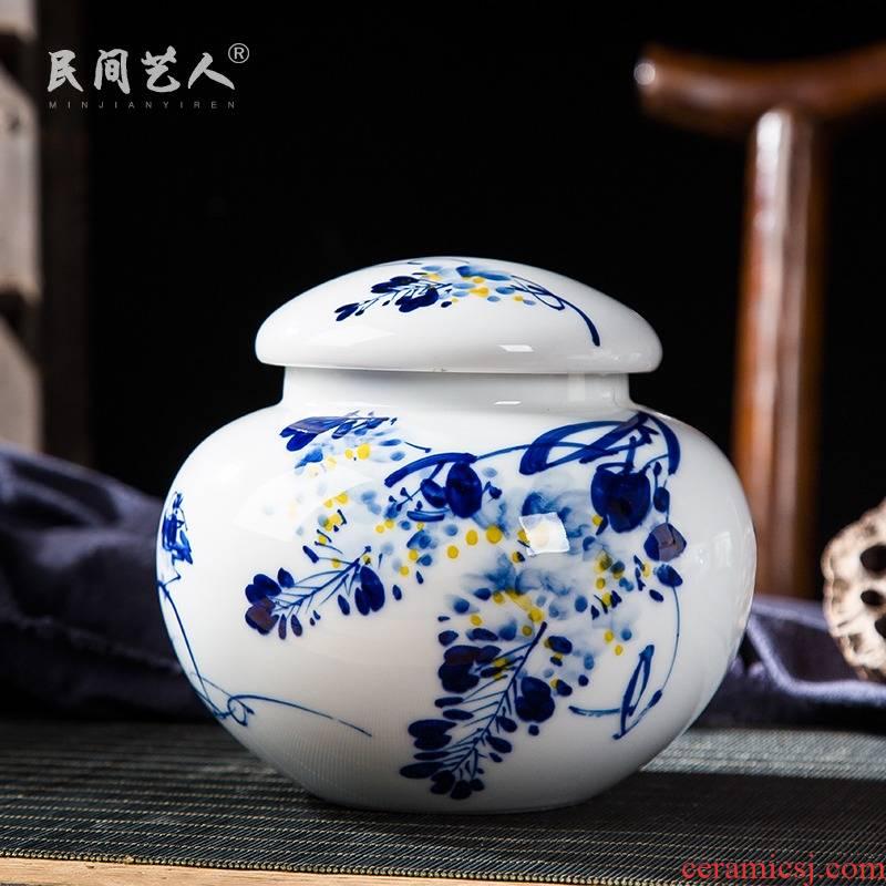 Folk artists hand - made bucket color blue and white porcelain tea pot of jingdezhen ceramic household large seal storage POTS