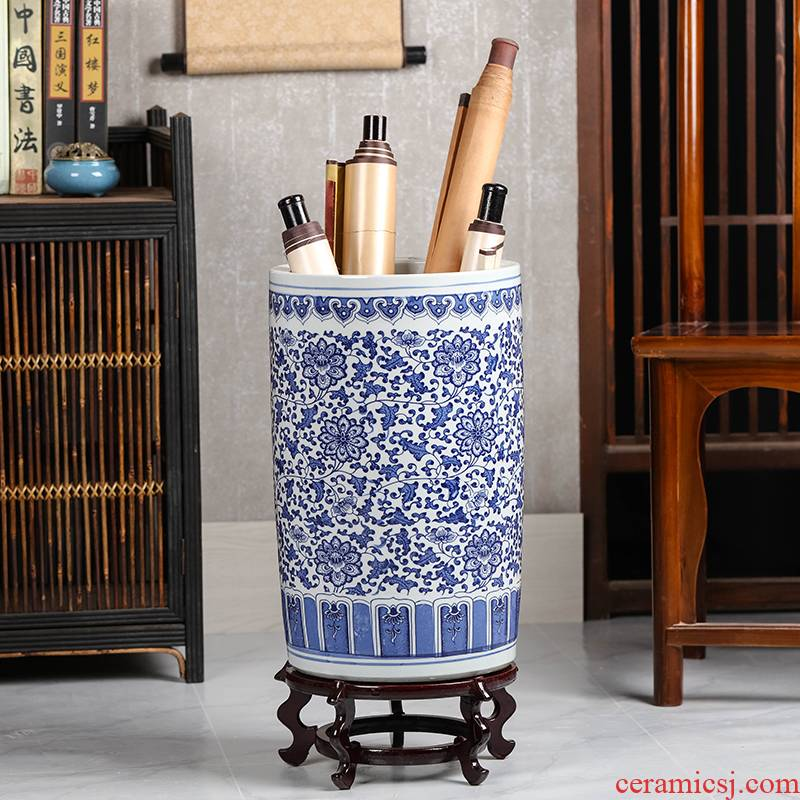 Jingdezhen ceramic quiver and calligraphy scrolls cylinder receive calligraphy painting cylinder study large blue and white porcelain vases, fall to the ground