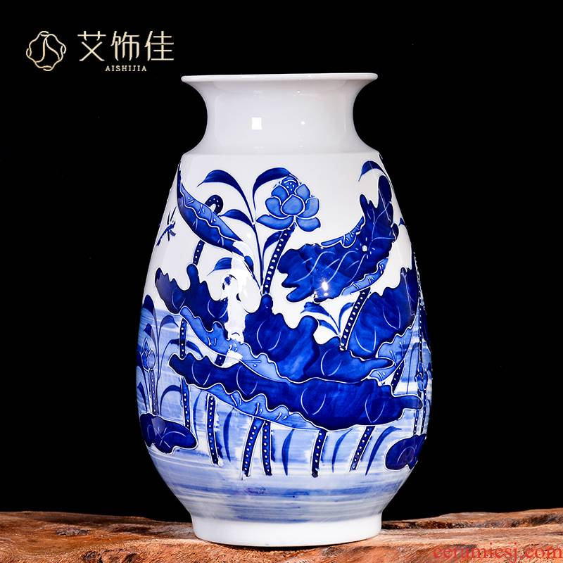 Jingdezhen ceramics hand - made reliefs of blue and white porcelain vases, the sitting room TV ark, furnishing articles decorations home rich ancient frame