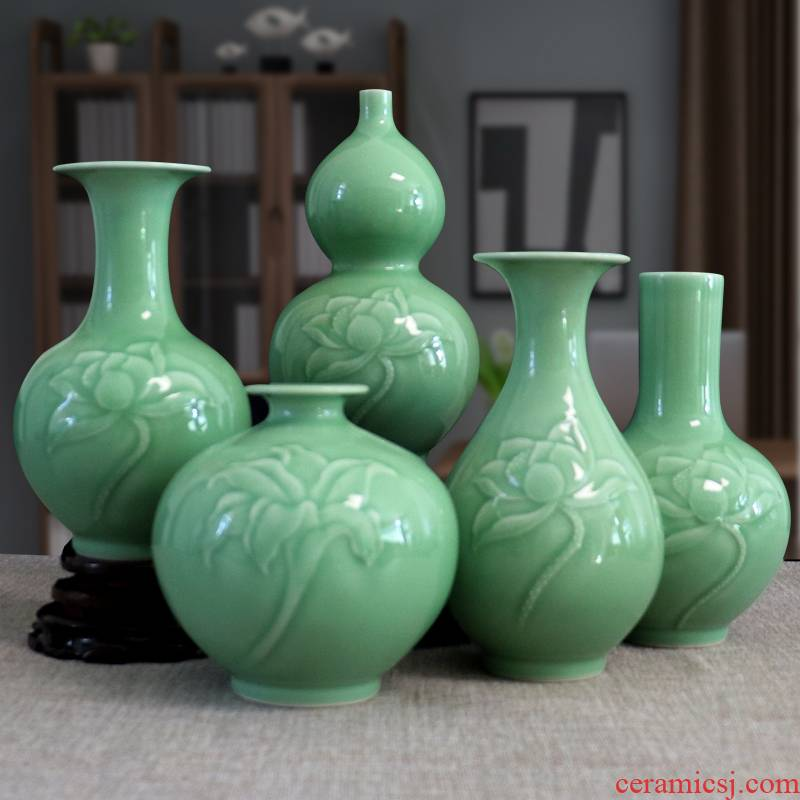Furnishing articles relief handicrafts gourd vase of jingdezhen ceramics dry flower arranging hankage green glaze little sitting room adornment