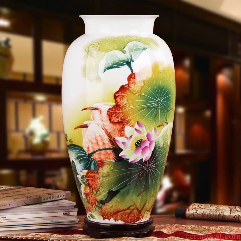 Famous hu, jingdezhen ceramics vase upscale gift hand famille rose porcelain lotus egrets vase