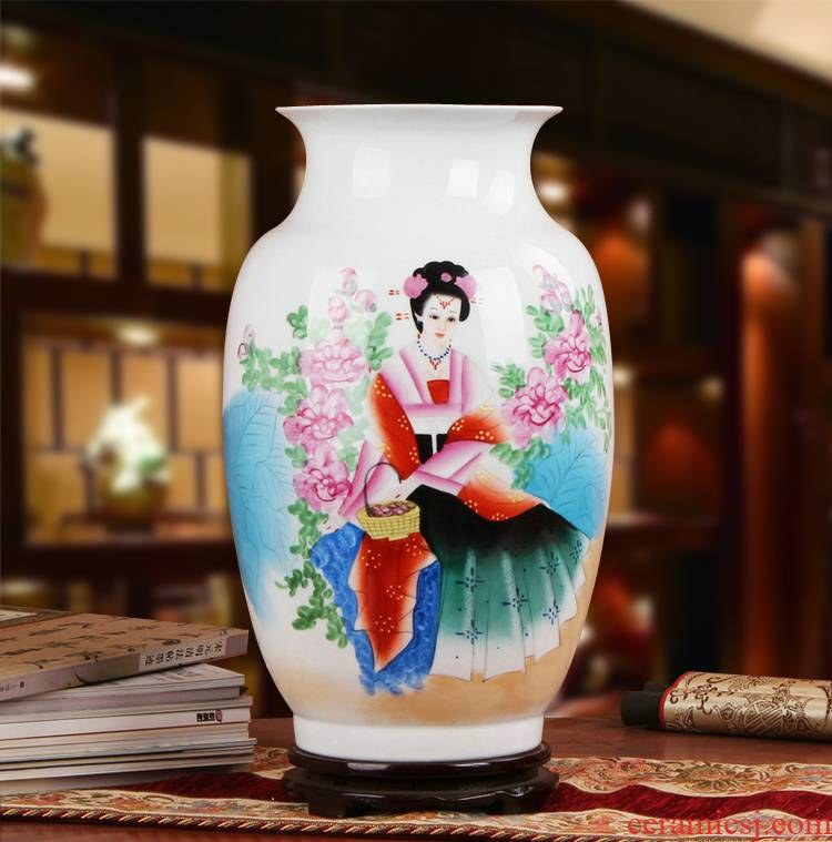 Hu works of jingdezhen ceramics vase high - grade Chinese gift hand famille rose porcelain beauty figure bottles