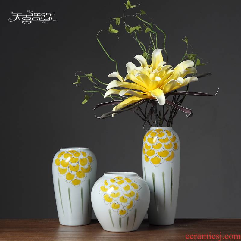 Insert the new Chinese style ceramic vase originality fashionable sitting room white dried flowers, household soft adornment is placed
