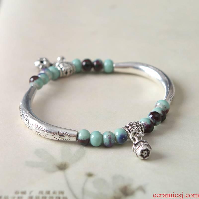 QingGe jingdezhen act the role ofing is tasted little fresh flower glaze porcelain bead bracelet with girlfriends picking hundred Mr Market. I source