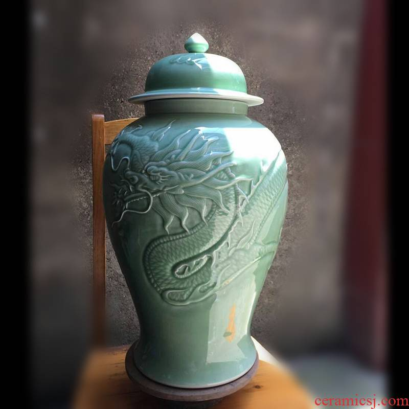 Jingdezhen hand - carved bound branch lotus lines and dragon decoration general pot pea green, pure color general display tank