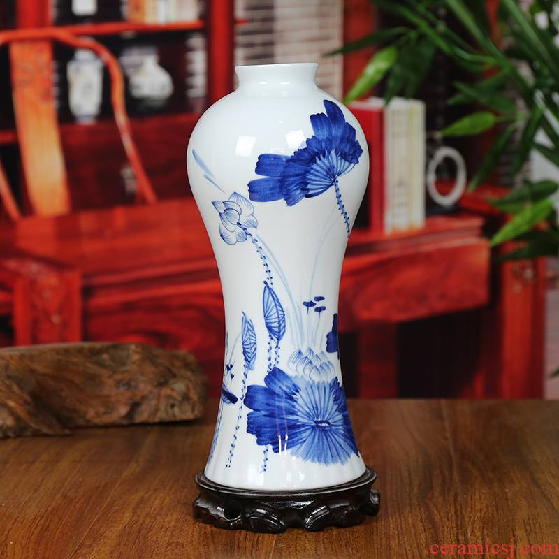 Jingdezhen blue and white porcelain ceramic vase modern blue and white lotus home sitting room place classical handicraft gifts
