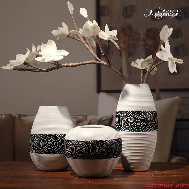 I and contracted three - piece ceramic vase in the living room TV ark, wine home decoration handicraft furnishing articles