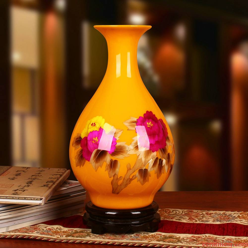 Jingdezhen ceramics palace yellow straw vase peony riches and honour vase opening gifts collection place decoration