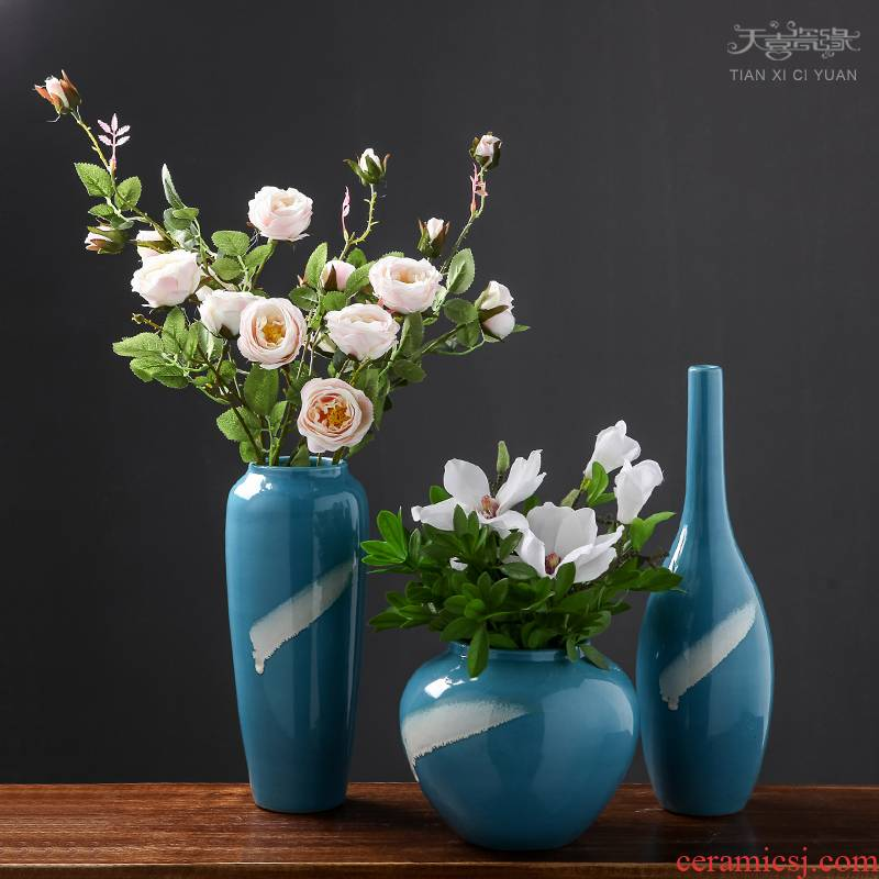I and contracted Mediterranean ceramic vase of dry flower arranging creative living room desktop small pure and fresh and furnishing articles ornaments