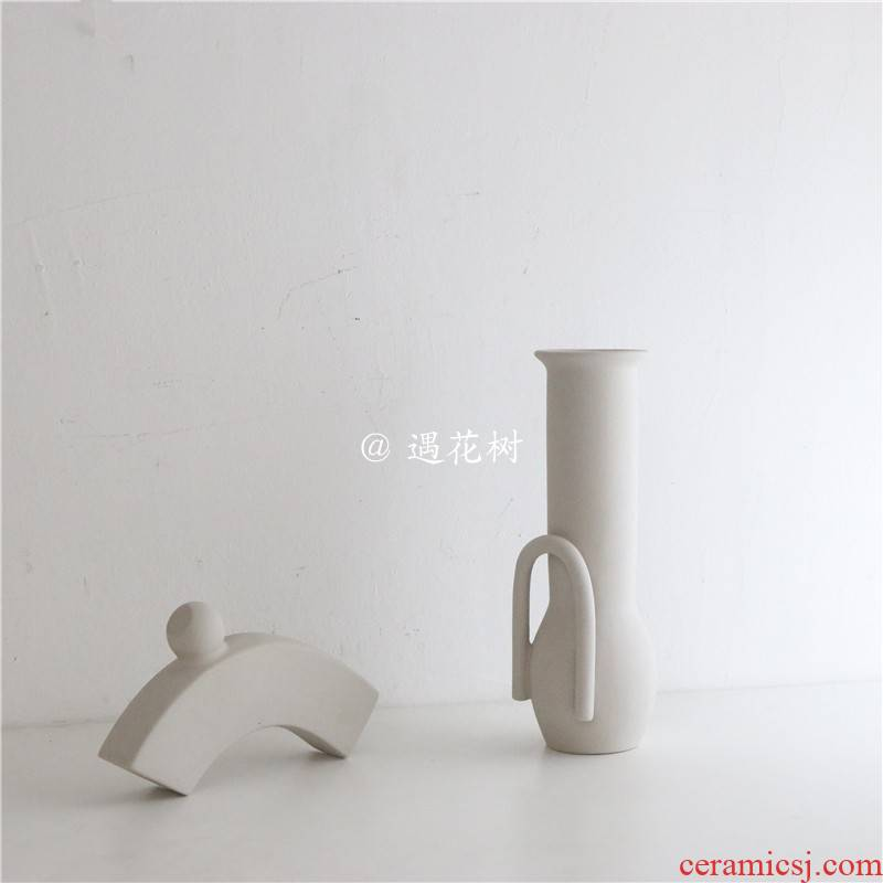 To run ins minimalist northern wind creative ceramic vases, candlestick household act the role ofing is tasted furnishing articles flowerpot home coffee shop