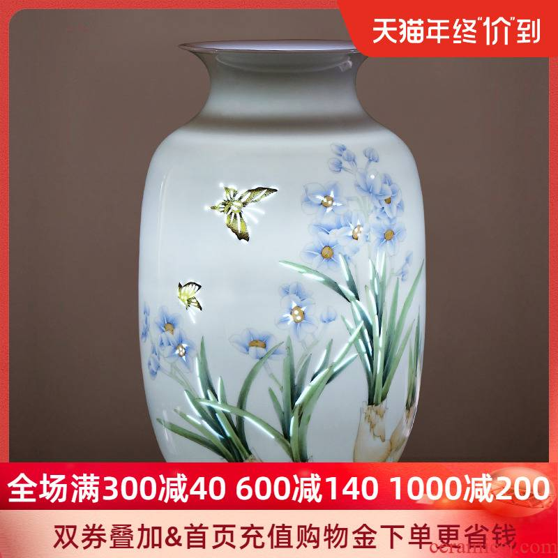 Jingdezhen ceramic hand - made vases, flower arranging new sitting room of Chinese style household furnishing articles rich ancient frame decorative arts and crafts porcelain