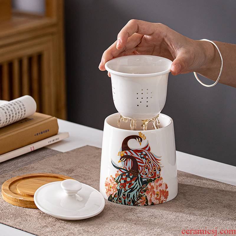 Peacock with wooden handle office tea cup tea filter cup getting delicate household ceramic cups with cover with the handle