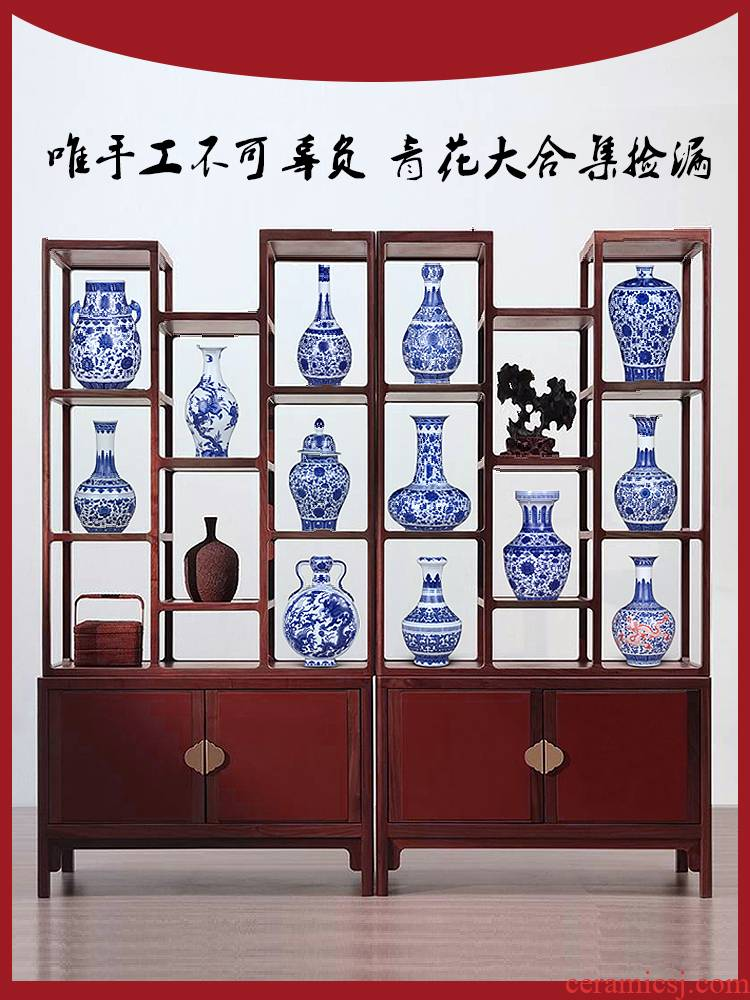 Jingdezhen ceramics imitation the qing qianlong blue and white porcelain vases, flower arrangement sitting room adornment rich ancient frame of Chinese style household furnishing articles