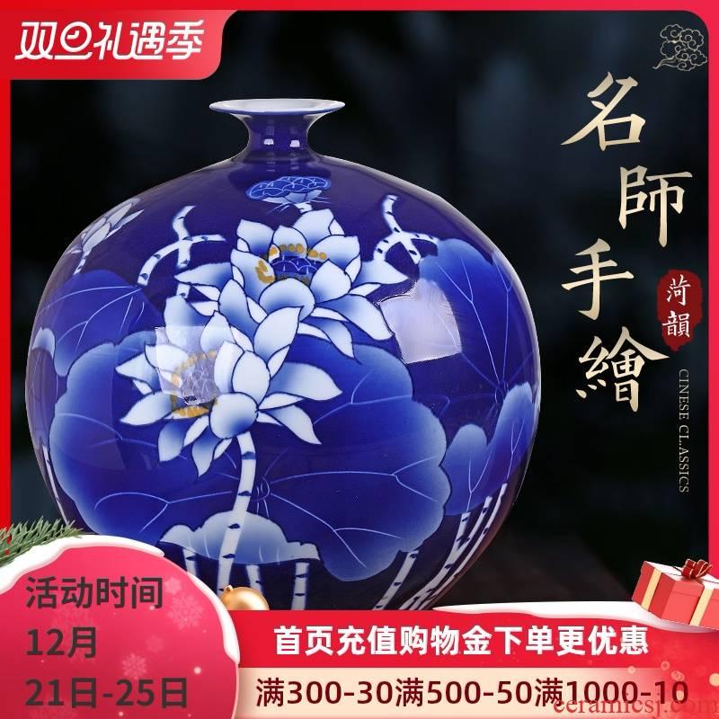 Jingdezhen ceramics pomegranates of blue and white porcelain vase furnishing articles sitting room of the new Chinese style household adornment porcelain of retro flower arrangement
