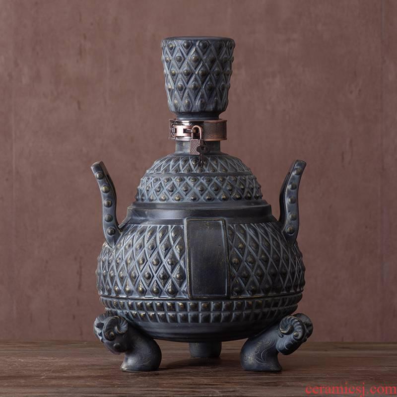 Jingdezhen ceramic wine bottle bottles 6 jins with hip wine antique bronze seal wine jar