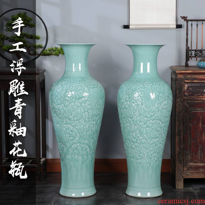 Jingdezhen ceramics large reliefs green glaze vase of large sitting room hotel decoration of Chinese style household furnishing articles