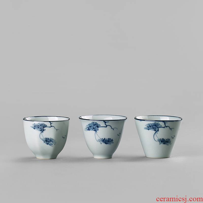 Clay hand - made antique blue - and - white porcelain sample tea cup small Japanese single master cup kung fu tea set a single small tea cups
