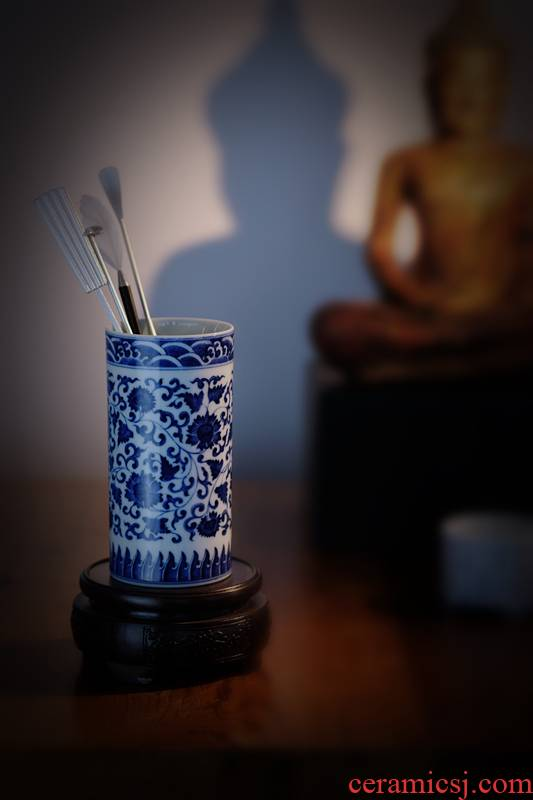 Offered home - cooked hand - made point work in jingdezhen blue and white tie up lotus flower brush pot manual archaize ceramic four articles furnishing articles