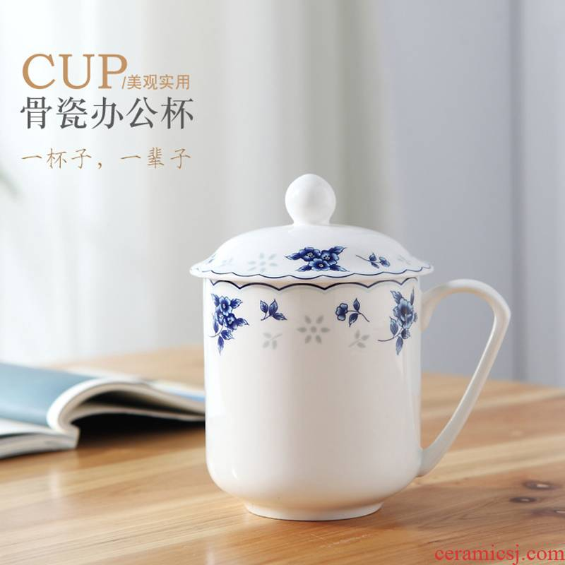 Jingdezhen ceramic cups with cover the office blue and white glass cup of ipads China contracted hotel and meeting a cup of tea cups