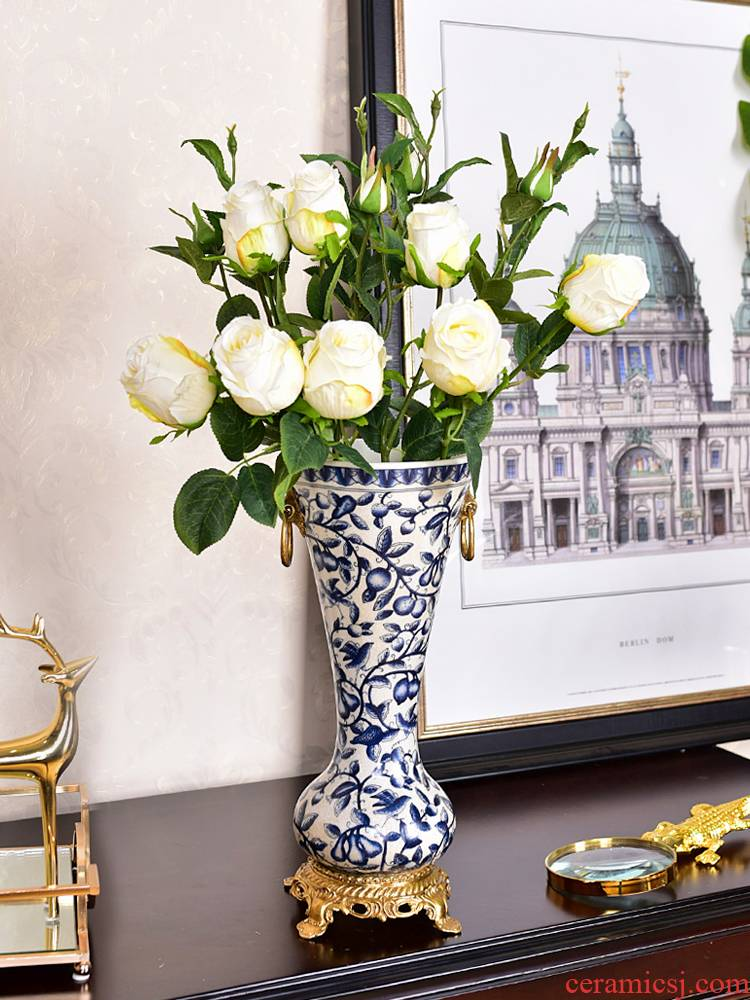 New Chinese style restoring ancient ways furnishing articles household adornment blue and white porcelain ceramic vase with copper sitting room porch dry flower arranging flowers